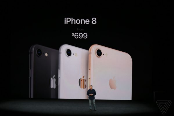 iphone-8-iphone-8-plus-ho-tro-cong-nghe-tuong-tac-ao-choi-game 1